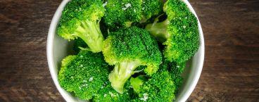prato de bróculos