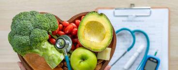 alimentos saudáveis num tabuleiro