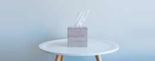 Lenços de papel numa mesa